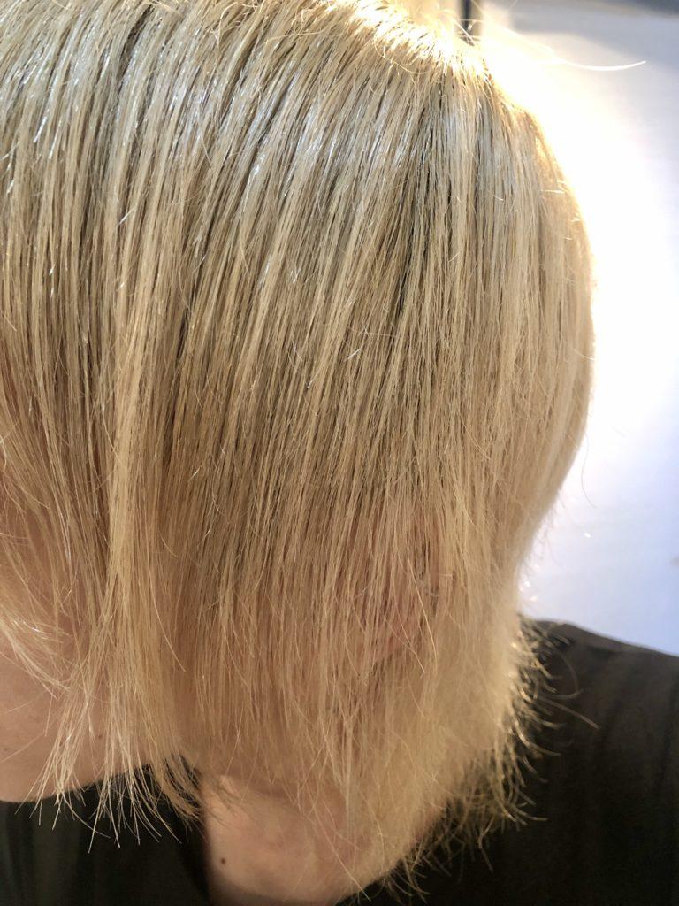 ブロー後の髪